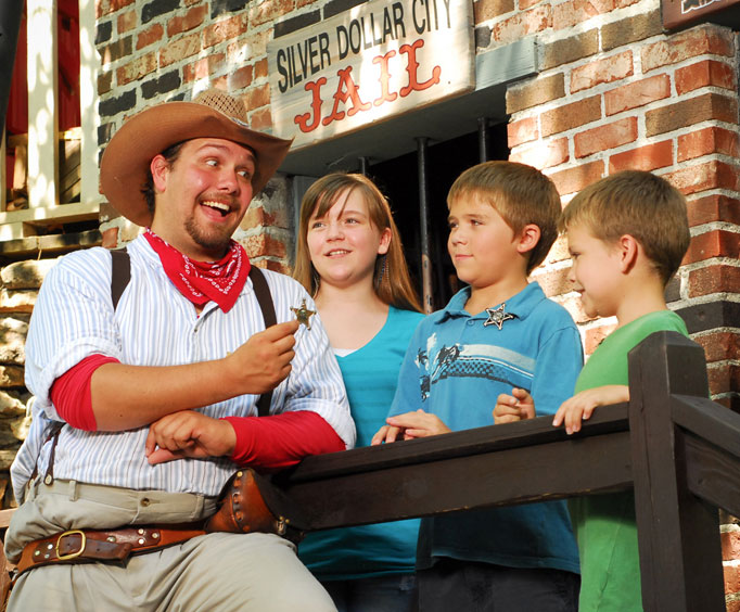 National Harvest & Cowboy Festival Kicks off at Silver Dollar City