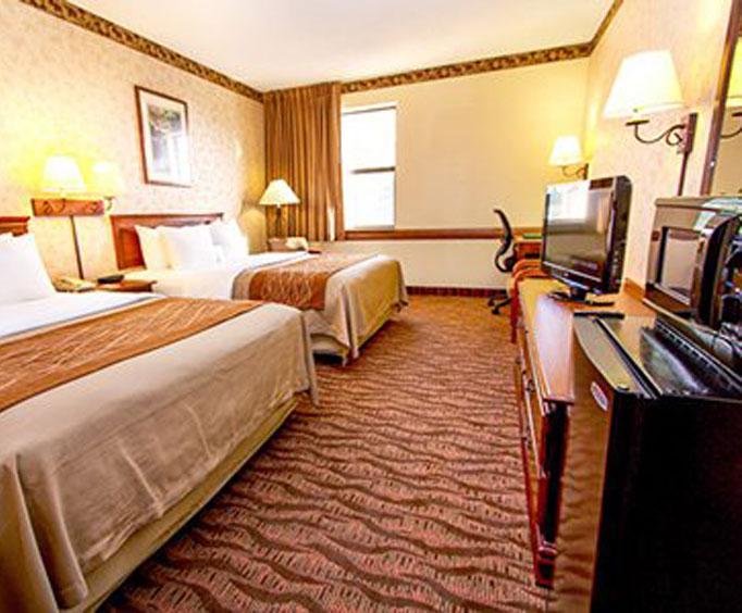 Comfort Inn at Branson Meadows Receives BeautificationAward