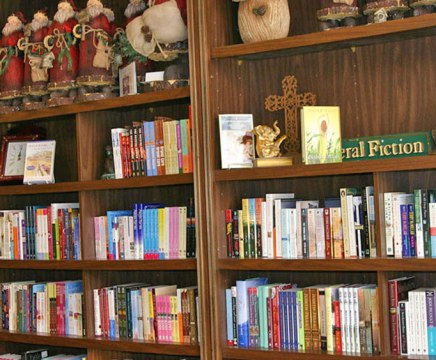 T. Charleston's Books & Gifts