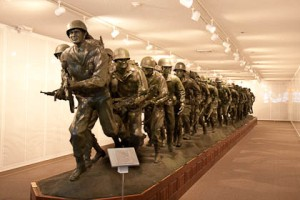 veterans sculpture